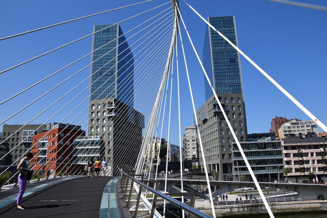 Zubizuri Brücke Bilbao
